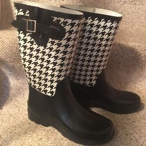 Western Chief Black/White Houndstooth Rain Boots